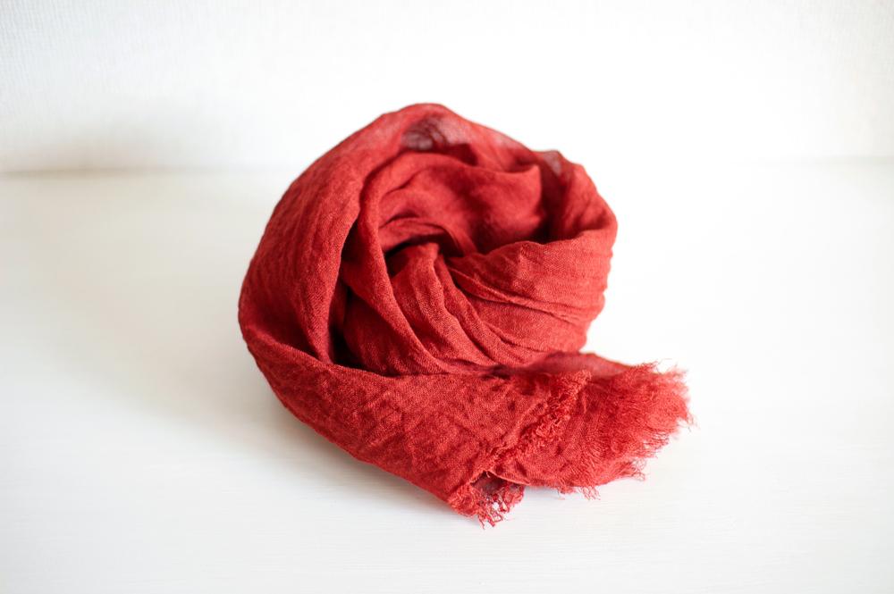 赤いストール