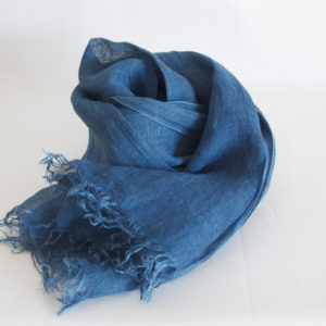 草木染め 柔らかリネンガーゼのストール《藍染め》