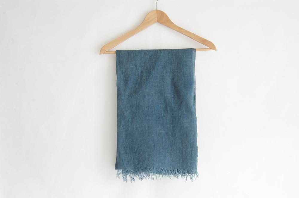 草木染め 柔らかリネンガーゼのストール《藍x矢車玉B》