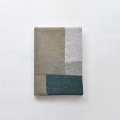藍、ログウッド、マリーゴーA5ノートカバー|草木染め モダンキルトのノートカバー #03ルド、ヤシャブシ