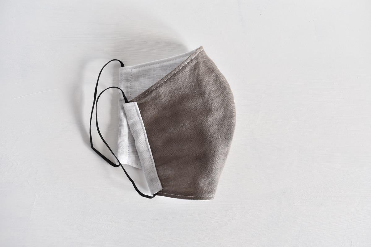 国産ダブルガーゼの立体型の布マスク《グレー》